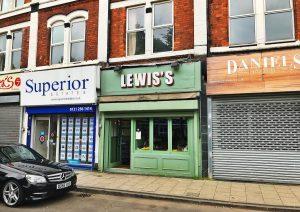 Le Lewis's à Moseley, Birmingham