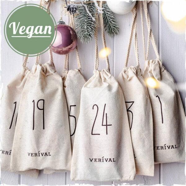 Calendrier de l'Avent végane avec des sacs en tissu